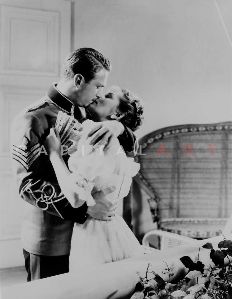 Gunga din kissing scene from the film in black and white premium art p celebrity vault