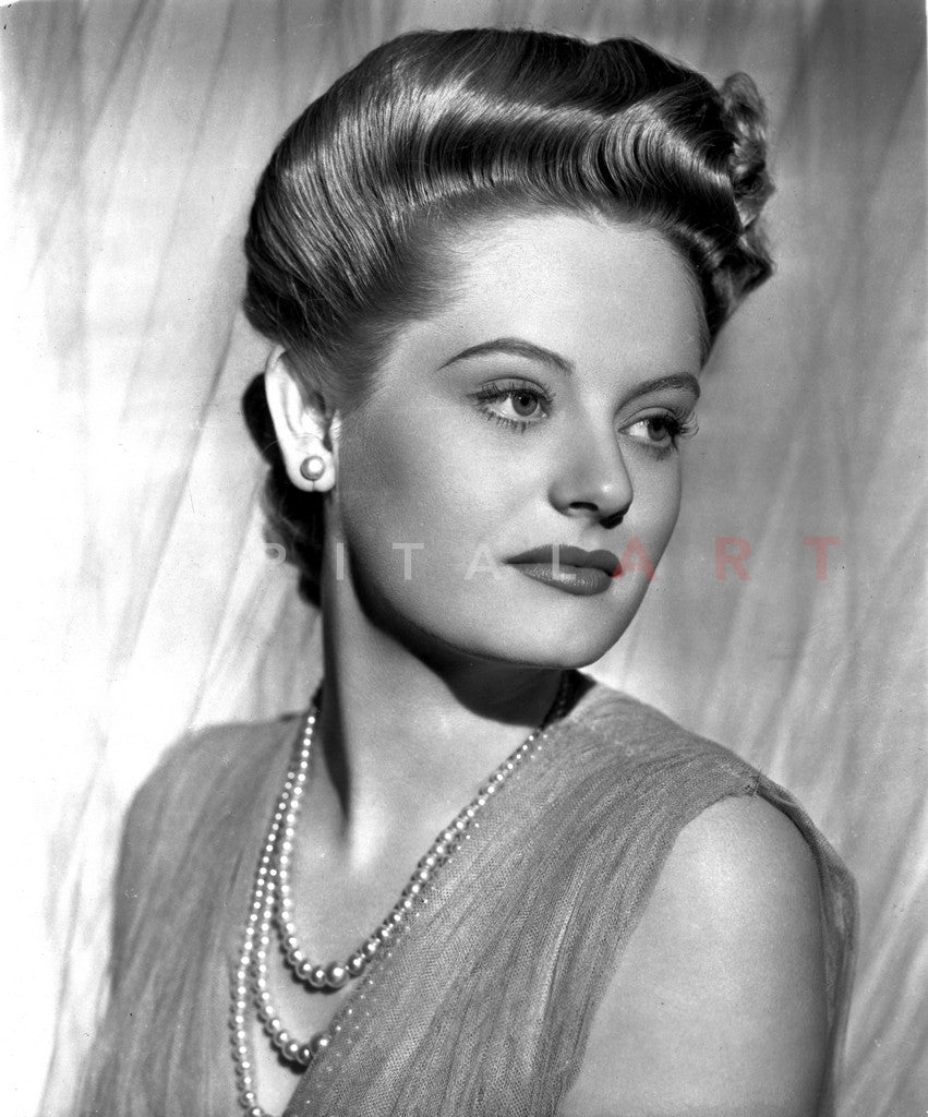 Alexis Smith Looking to the Left wearing a Beaded Necklace Premium Art Print