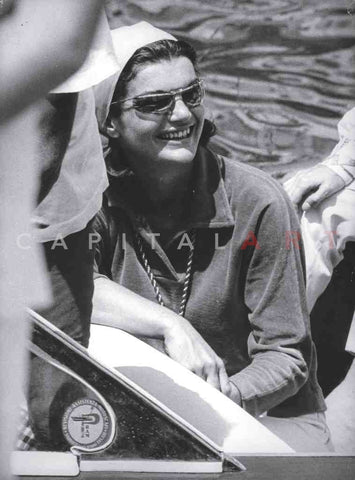 1960s JACQUELINE KENNEDY The JACKIE SMILE Candid in Sunglasses