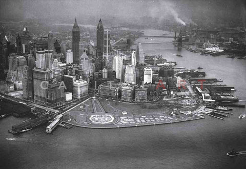 1940s MANHATTAN The CONCRETE JUNGLE New York City