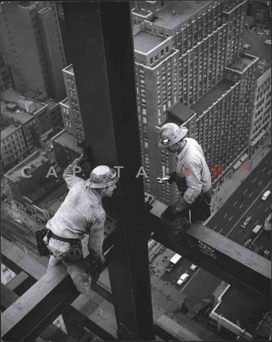 1940s SKYSCRAPER STEEL WORKER New York City HIGH ABOVE!