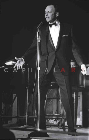 1960s FRANK SINATRA on STAGE Performing!