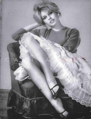 1960s BRIGITTE BARDOT Sexy French Actress LES LEGS!