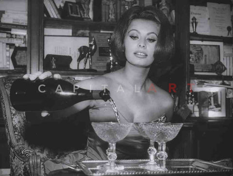 1963 SOPHIA LOREN Italian Movie Star POURING CHAMPAGNE