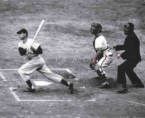 1940s JOE DIMAGGIO New York Yankees AT  bat Nice!