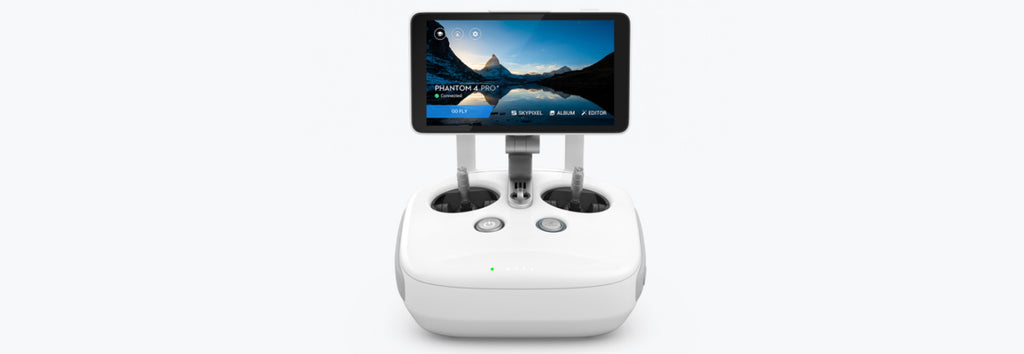 DJI Phantom 4 pro + remote controller woth built in screen