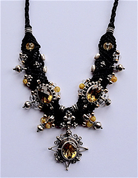 Isha Elafi Choker Black With Citrine Star Drop