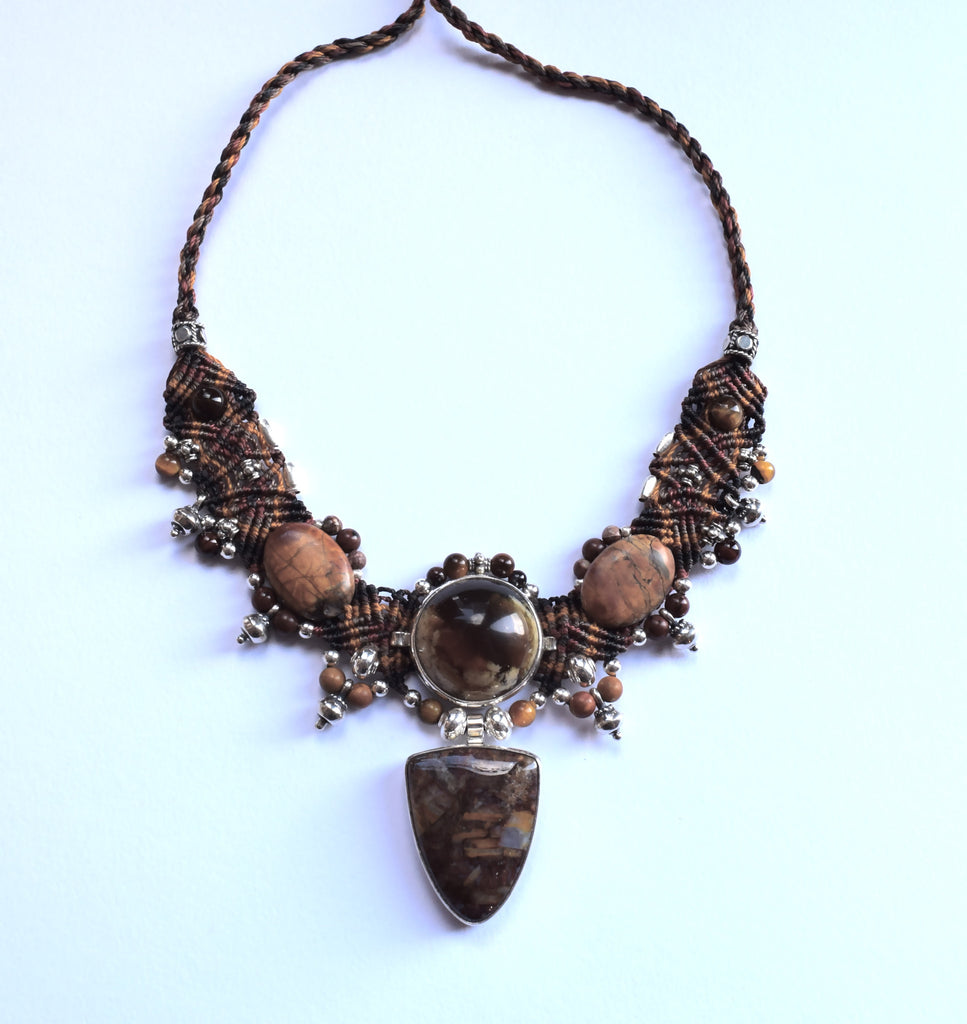 Isha Elafi New Choker in Brown with a Brown Opal