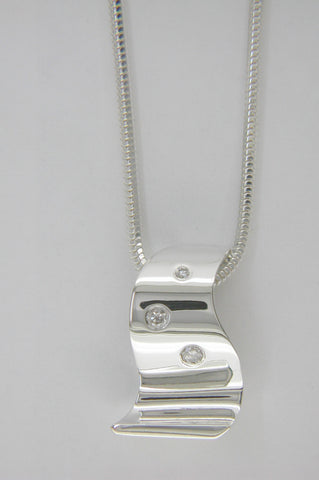 Wave of Success™ Sterling Silver 3-Stone Pendant