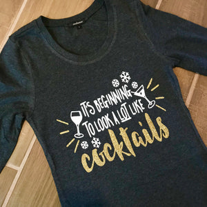 It's Beginning To Look Like Cocktails New Year T-Shirt