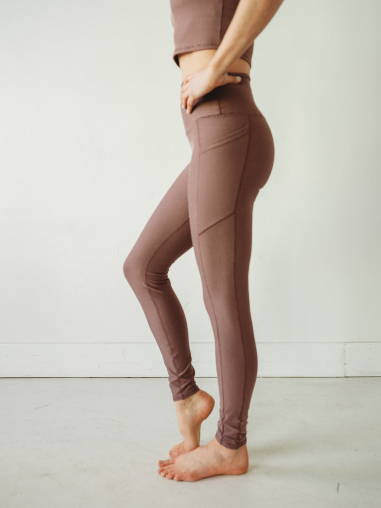 Mauve Wander Pocket Yoga Pants in Microstripe