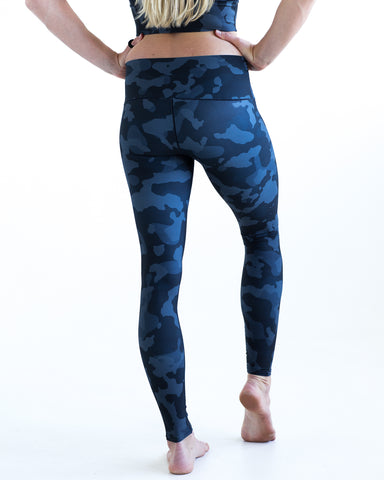 Image of Onyx Camo Yoga Pants