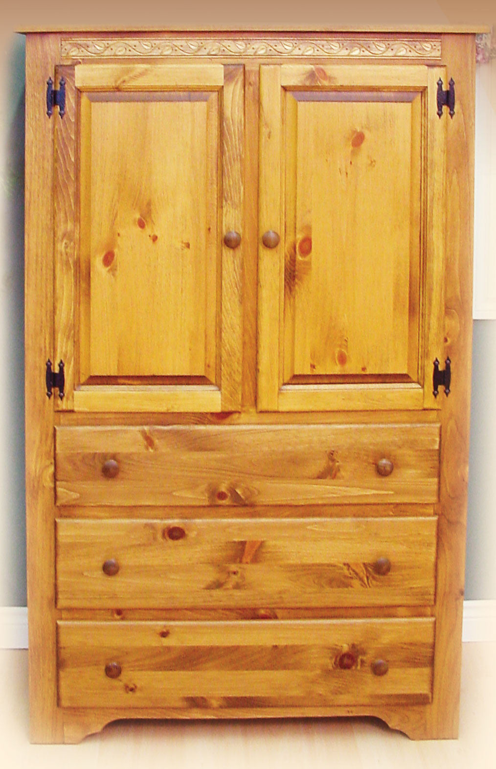 281 Shaker Armoire With 3 Drawers, 2 Door And 2 Shelves