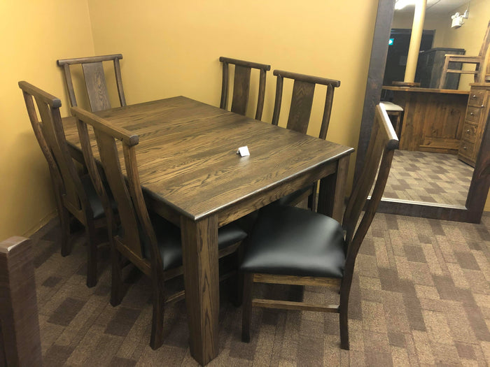 Smooth Oak 431 Harvest Table & 6 Oak Norman Chairs in Guinness Finish S-201