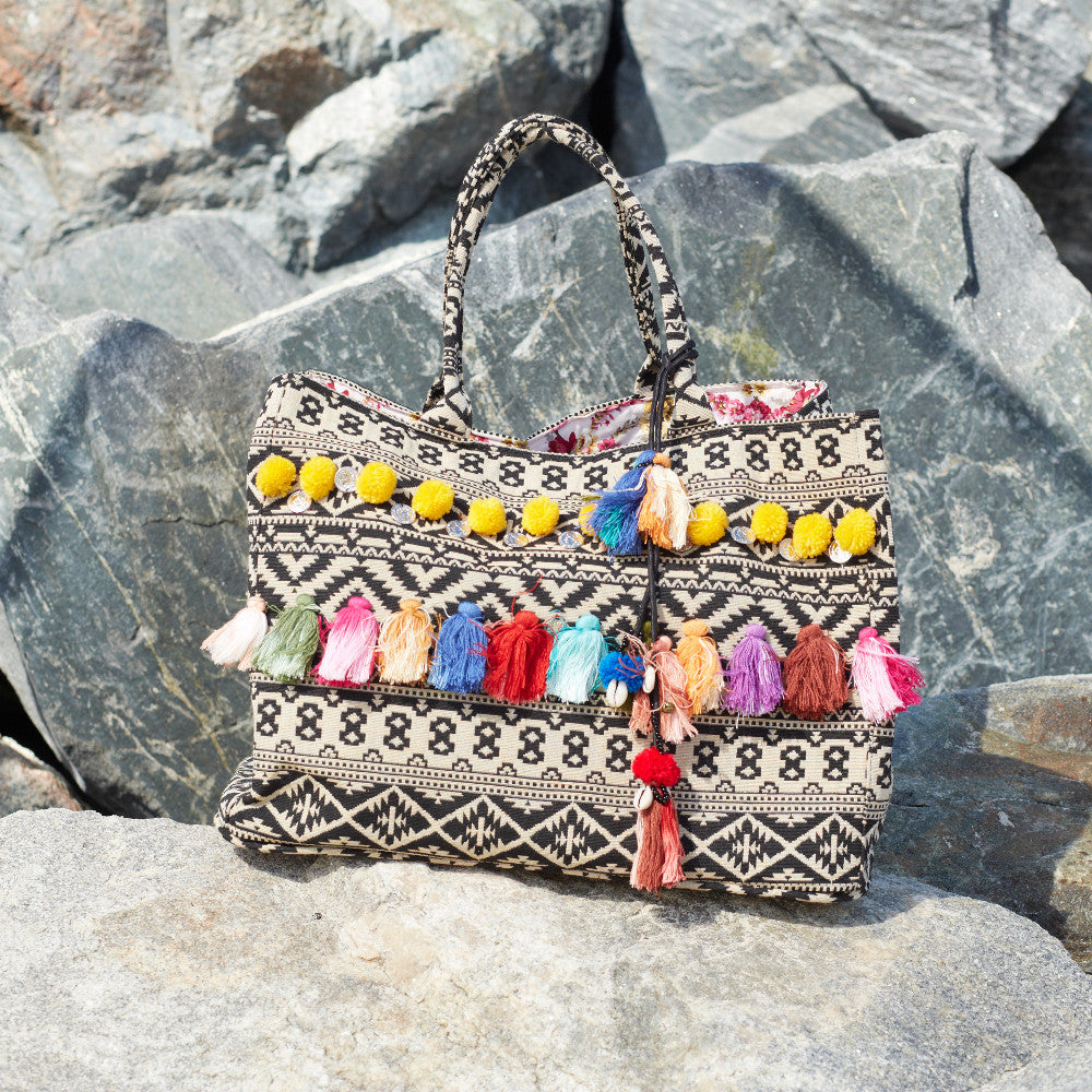 Debbie Katz Beach Bag Pai Location