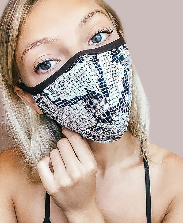 snakeskin face mask fashion blogger boho summer beautiful animal print