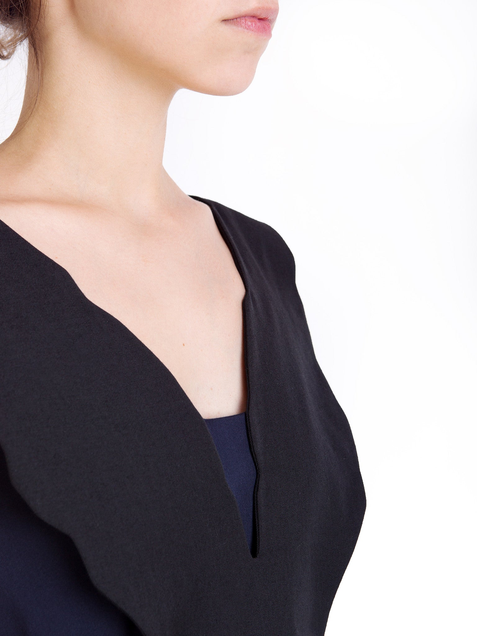 Ambali Black and Navy Dress Collar Detail