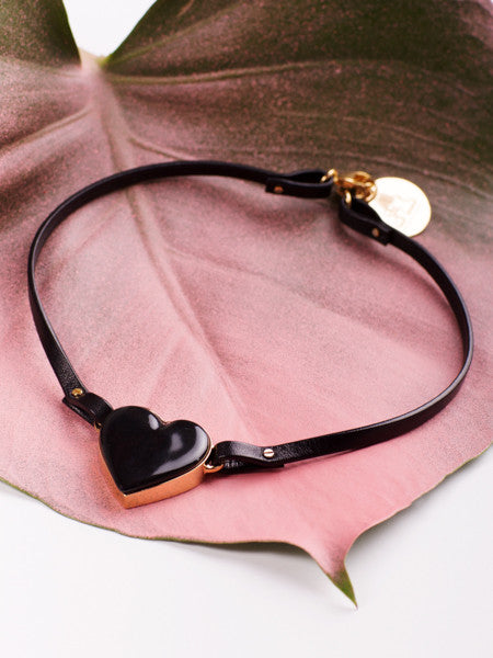 ANDRESGALLARDO Black Heart Porcelain Choker