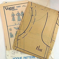 Misses Petite Dress Vogue 1022 Vintage Pattern 1980s Size 6 Sewing c801