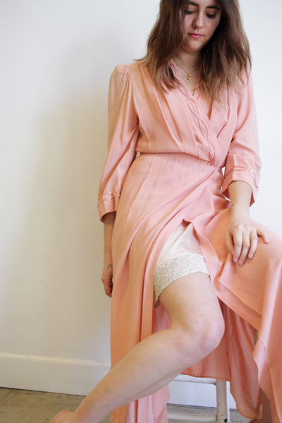 1940s Pink Rayon Dressing Gown