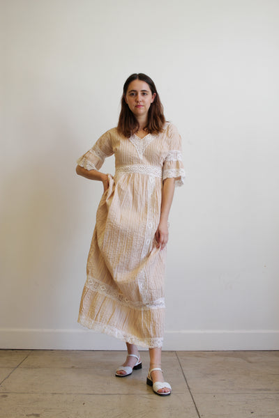 1960s Nude Pink Mexican Pleated Dress