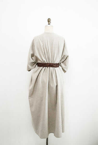 1970s Houndstooth Grey Wool Poncho