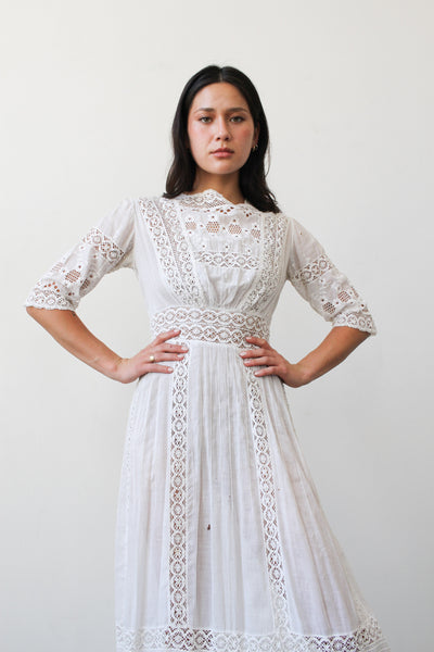 1950s Buttercream Doily Linen Dress