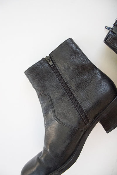 1980s Black Leather Ankle Boots | 9