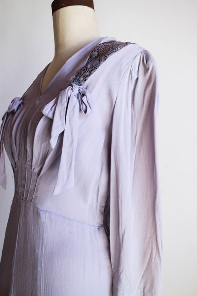 1940s Lilac Rayon Crepe Bow Dress