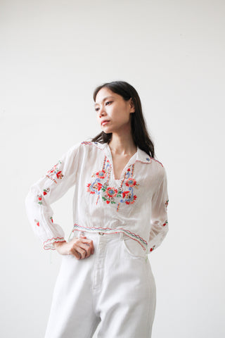 1940s White Hungarian Embroidered Peasant Blouse