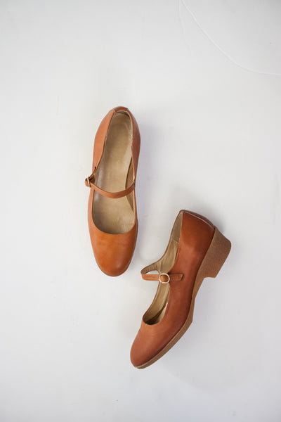 Ochre Leather Strap Gum Wedges | 7AA