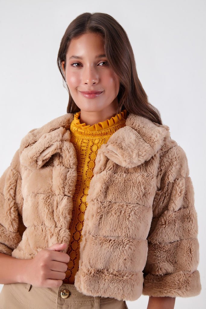 CASAQUETE CROPPED FAUX FUR CHINCHILA