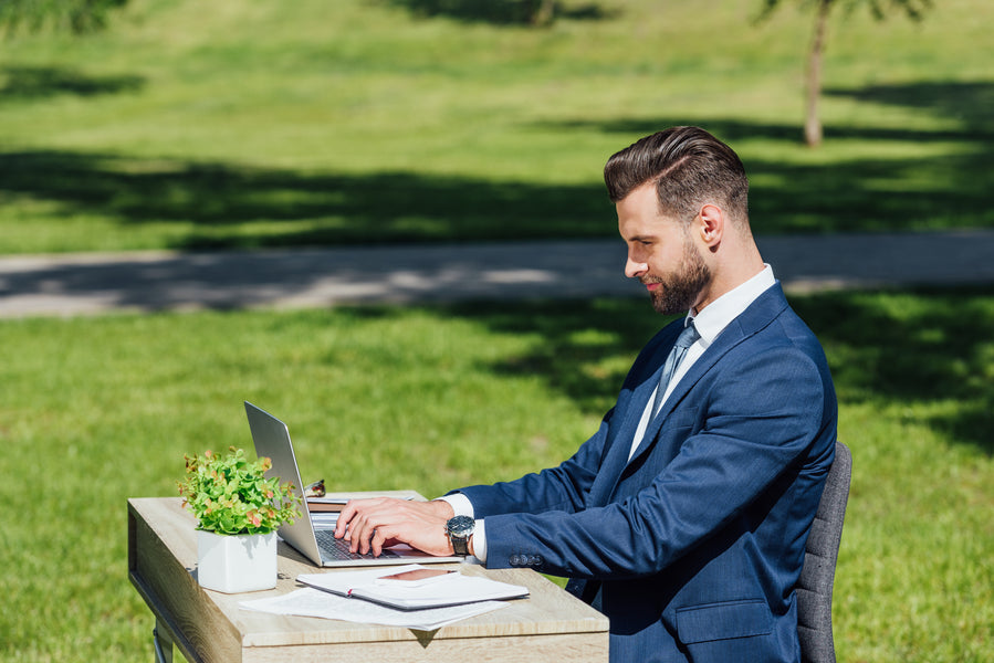 A Seat Cushion and a Desk: All You Need to Work Outdoors