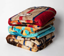 "Load image into Gallery viewer, Southwestern Oversized Throw with Sherpa Back ""60"" x ""80"""