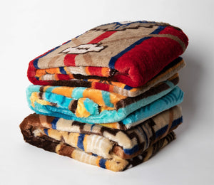 "Southwestern Oversized Throw with Sherpa Back ""60"" x ""80"""