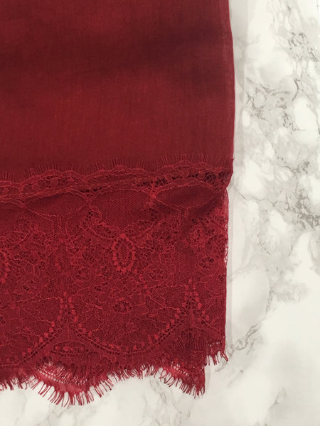 French Lace- Rouge