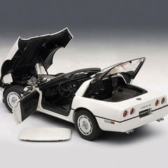 C4 Corvette - Die Cast 1:18 - White : 1986 C4