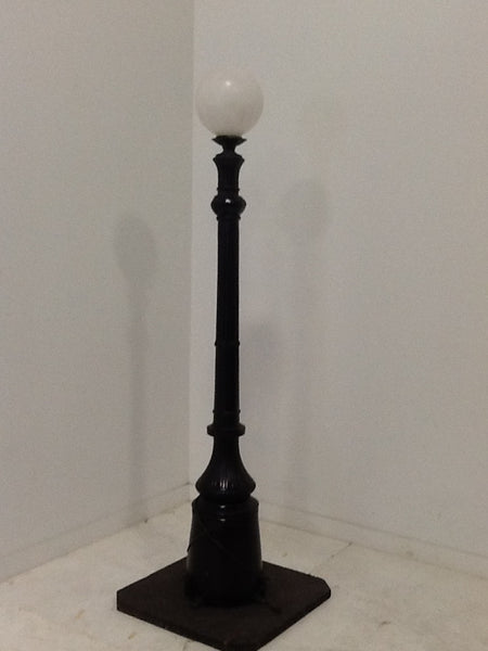Lamp Post Single 8 ft