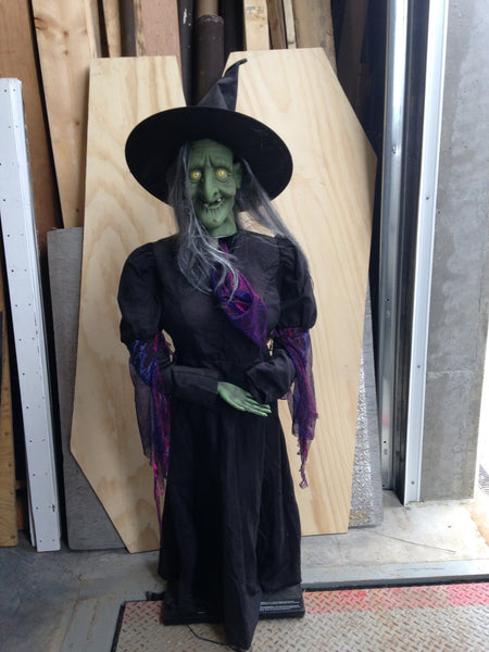 Witch 5 ft