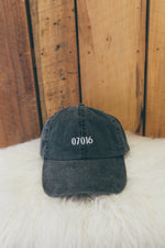Vintage Dad Hat in 07016 in Black