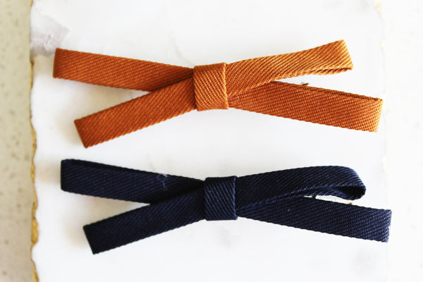 Ochre and Navy Textured Bow Set