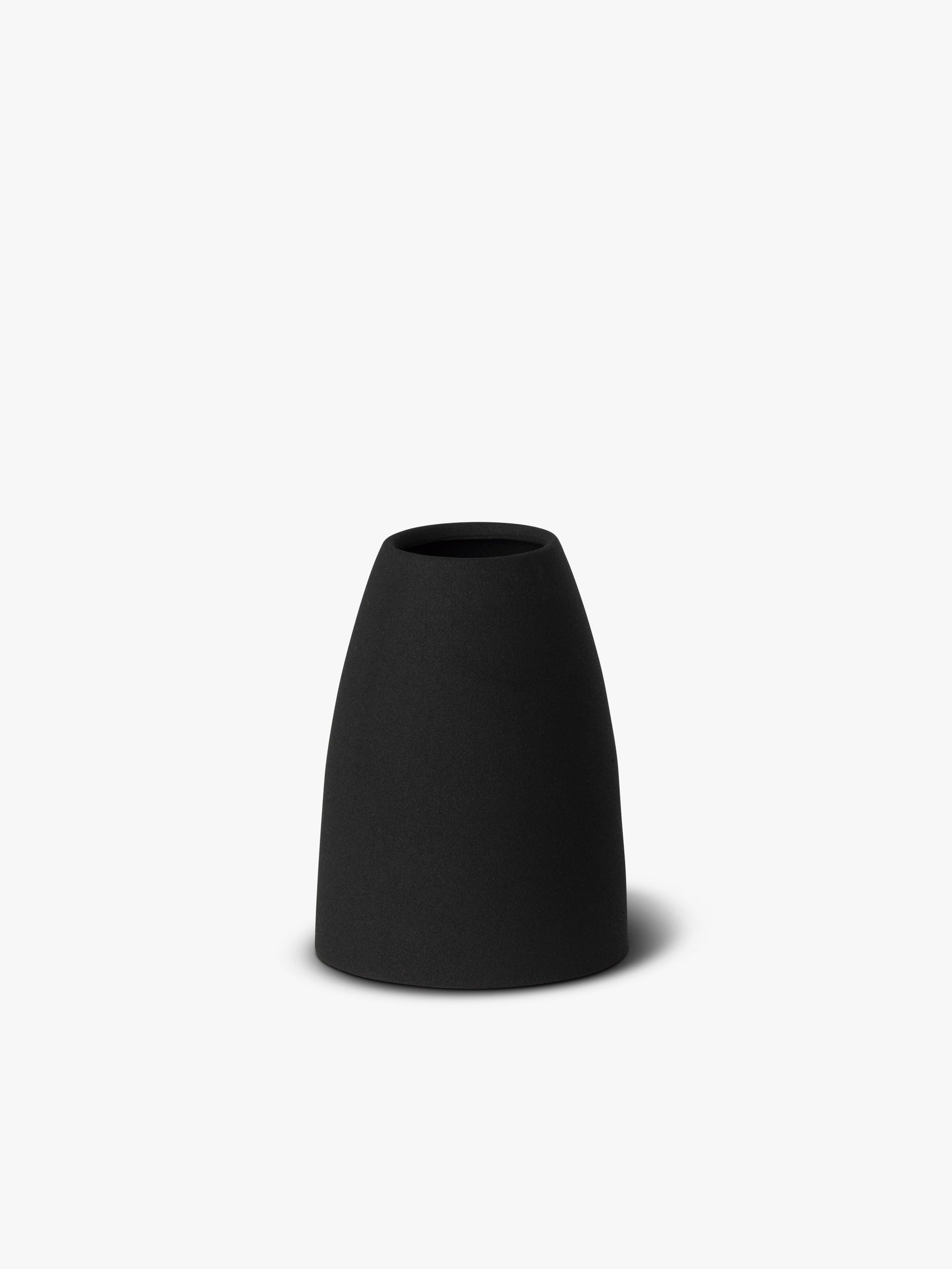 Mona Cone Vase Vase Winter 19 Black