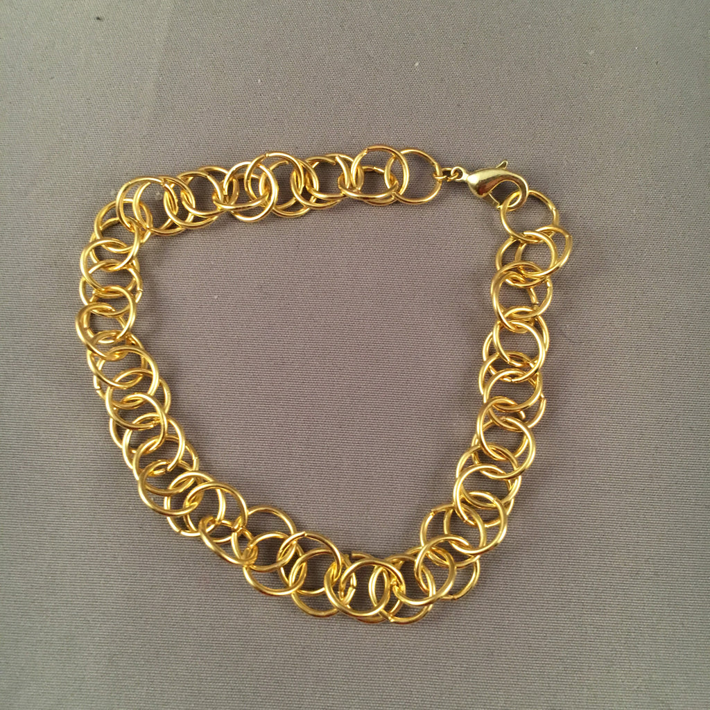 Medium sized gold spiral chain bracelet