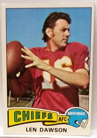 1975 Topps #120 Len Dawson, QB, Kansas City Chiefs, Graded NM
