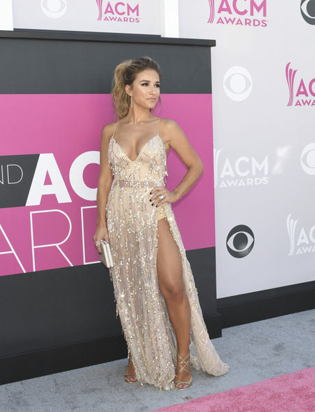 Country star Jessie James Decker stuns on the Red Carpet