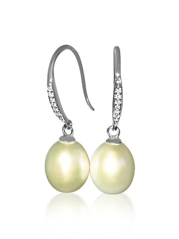 Stunning Diamond & Pearl Earrings set in 18ct White Gold