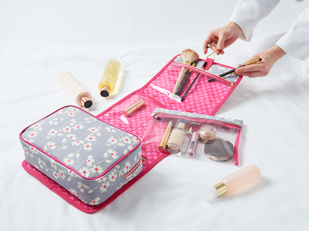 best travel makeup bags with compartment