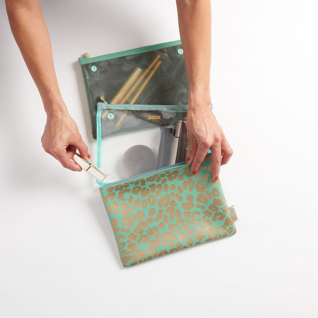 Amy travel makeup bag in jade with detachable compartments