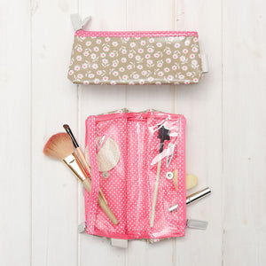 travel makeup bag in daisy sage print  interior detail
