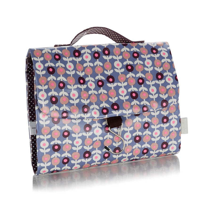 hanging wash bag in lorton smoke print